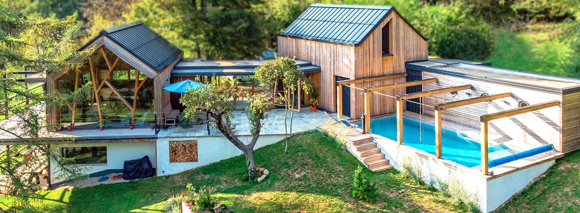 Lesoteka lesena hiša na Dolenjskem